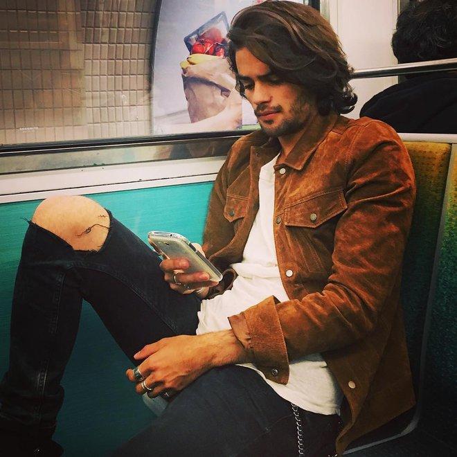 Chùm ảnh chứng minh hóa ra tàu điện ngầm mới thực sự là thiên đường trai đẹp - Ảnh 33.