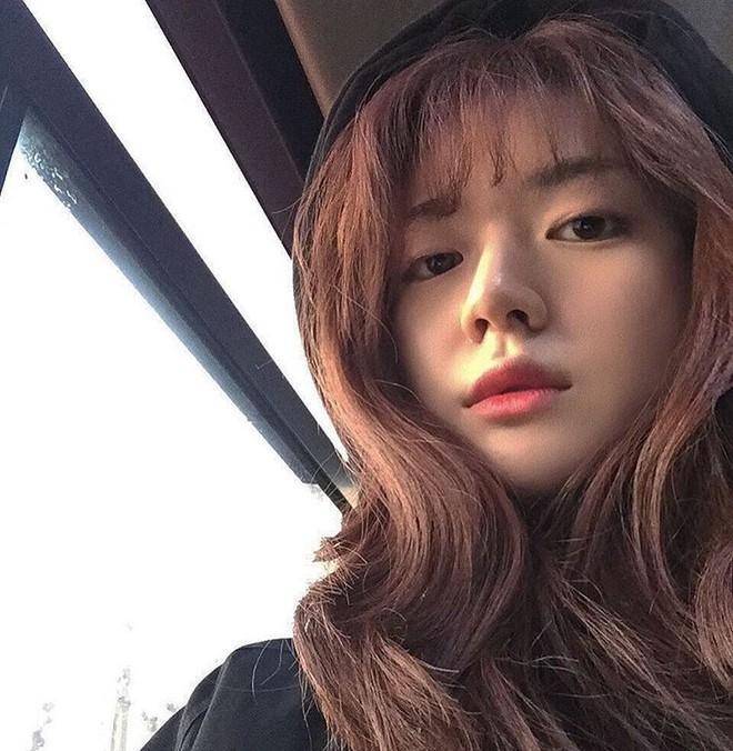 Cô bạn Hàn Quốc này mà sang Việt Nam, kiểu gì bạn cũng nhận nhầm là Tú Linh M.U đấy - Ảnh 4.