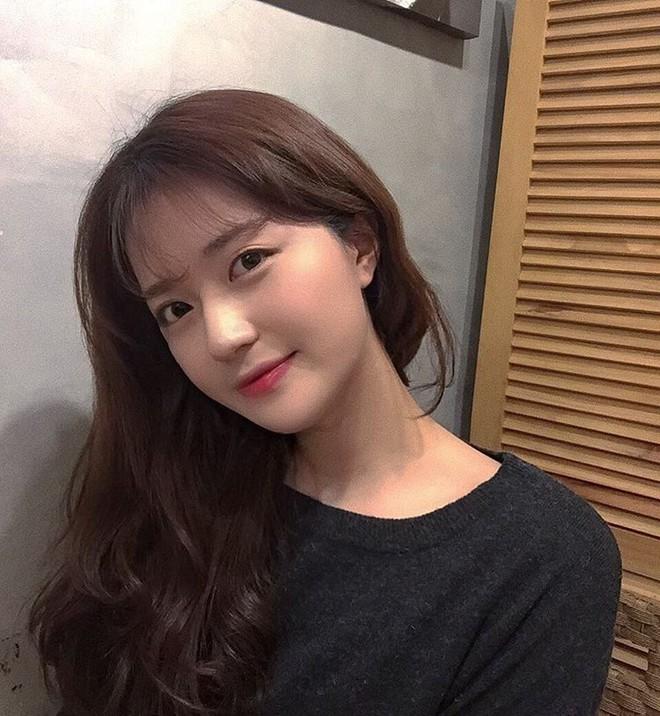 Cô bạn Hàn Quốc này mà sang Việt Nam, kiểu gì bạn cũng nhận nhầm là Tú Linh M.U đấy - Ảnh 7.