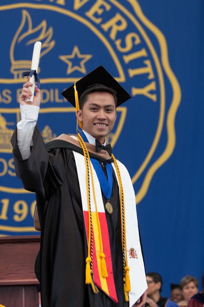 Du học sinh Việt từ bụng đói đến người duy nhất đại diện toàn trường phát biểu tại lễ tốt nghiệp - Ảnh 2.