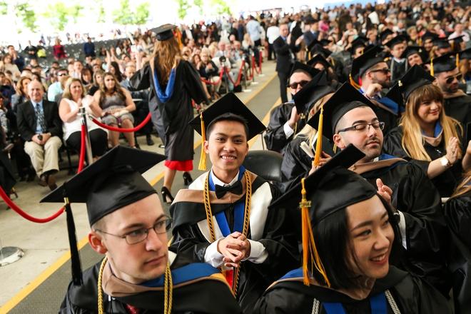 Du học sinh Việt từ bụng đói đến người duy nhất đại diện toàn trường phát biểu tại lễ tốt nghiệp - Ảnh 12.