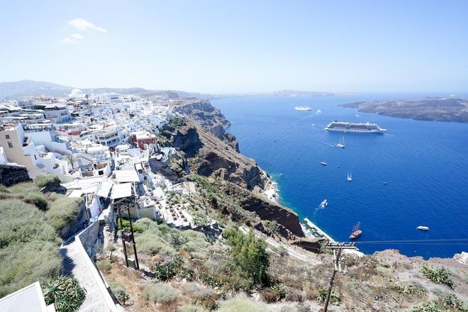 Santorini - Hòn đảo đẹp như thiên đường mà bạn nhất định phải dành tiền để đến một lần trong đời - Ảnh 13.