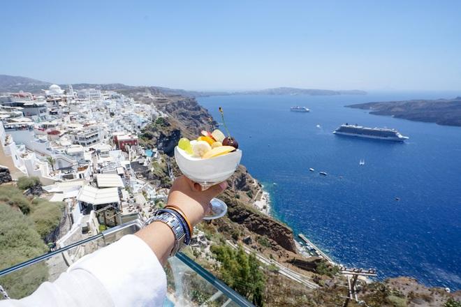 Santorini - Hòn đảo đẹp như thiên đường mà bạn nhất định phải dành tiền để đến một lần trong đời - Ảnh 12.