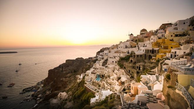 Santorini - Hòn đảo đẹp như thiên đường mà bạn nhất định phải dành tiền để đến một lần trong đời - Ảnh 4.