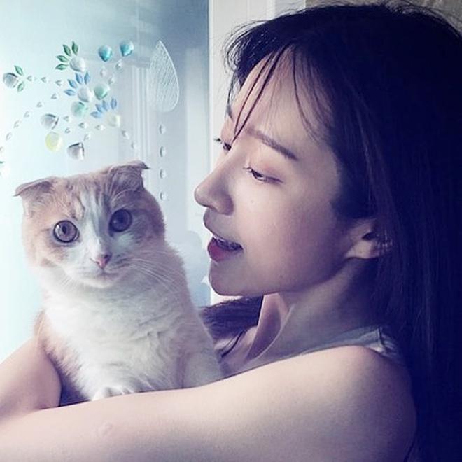 Chỉ bằng vài cái hất tóc, mỹ nhân này đã vươn lên đẳng cấp nhan sắc nữ thần của Suzy và Yoona - Ảnh 19.