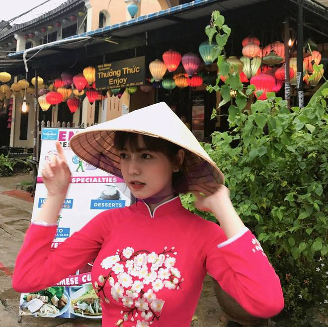 Xem ảnh của cô bạn đến từ ĐH Hoa Sen, chỉ biết cảm thán: Con gái Việt xinh không đùa được đâu!