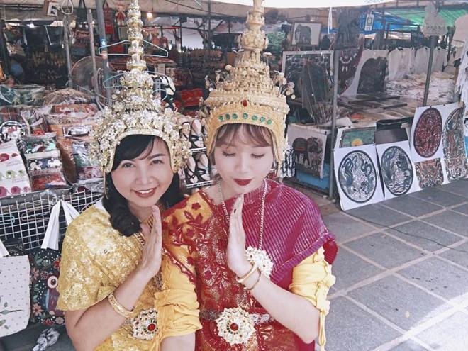 Xem bộ ảnh 9x đưa mẹ vi vu Thái Lan mới thấy mẹ cũng thích đi, thích sống ảo như ai! - Ảnh 4.