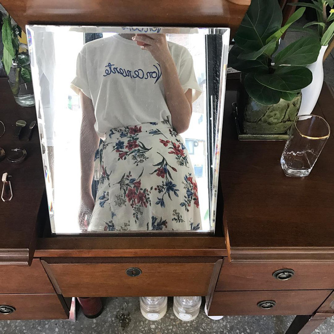 T-shirt với font chữ viết tay, món mới siêu hot đang được giới trẻ châu Á diện miết mải - Ảnh 17.