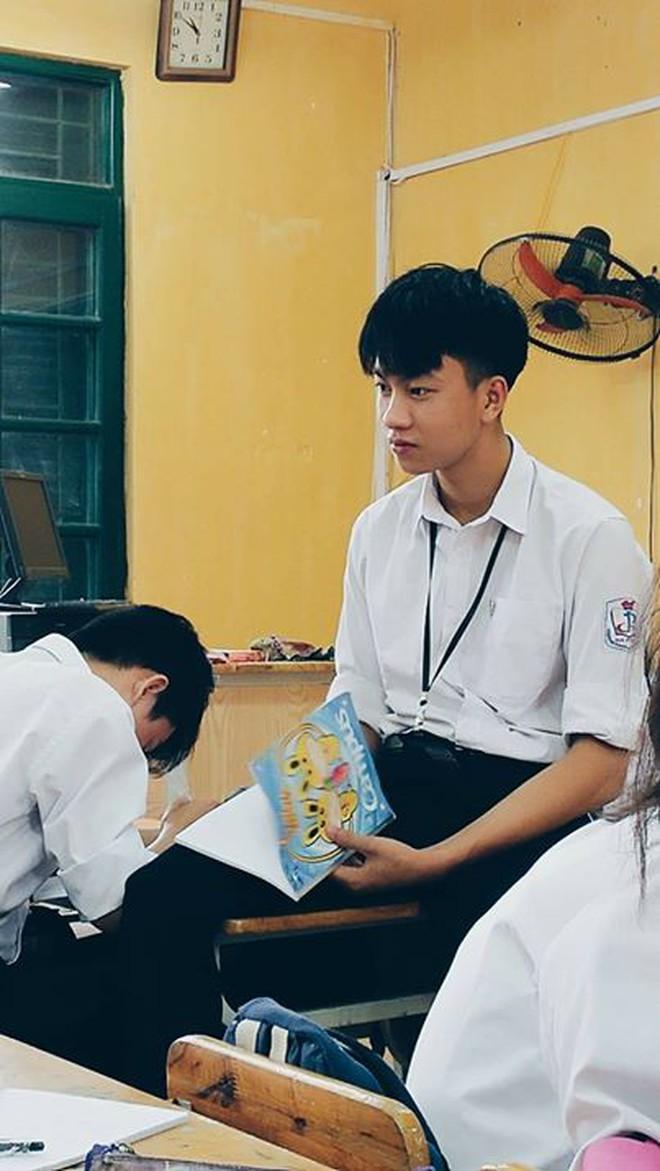 """Cậu bạn được ví như """"thủy thần"""" Nam Joo-hyuk phiên bản Việt nhờ bức hình chụp lén điển trai - Ảnh 1."""