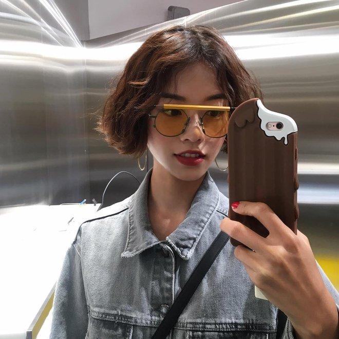Hè này nếu muốn sắm kính, nhất định phải sắm kính gọng tròn cho bằng bạn bằng bè - Ảnh 20.