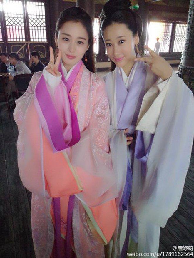 Đứng chung một khung hình, mĩ nhân Hoa - Hàn dìm nhau đến thế nào? - ảnh 26