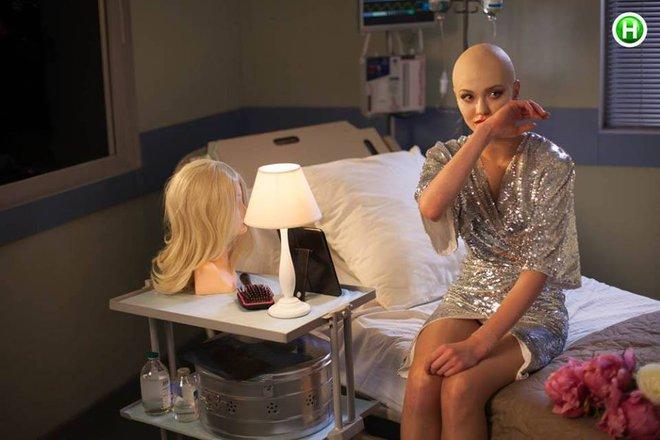 Next Top Ukraine chụp hình về bệnh nhân ung thư nhưng quá ẩu, mất hết cả ý nghĩa tốt đẹp - Ảnh 4.