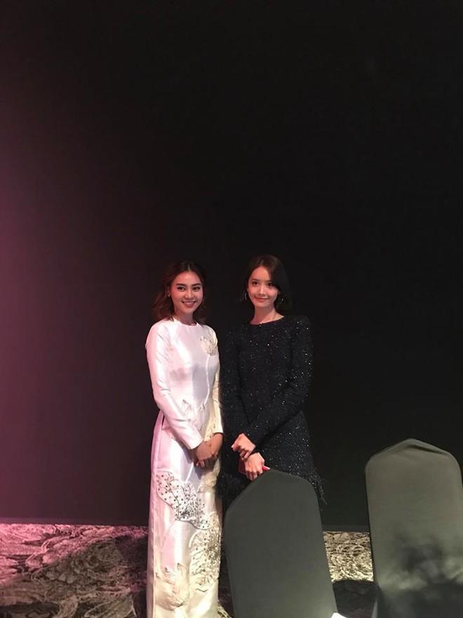 Ninh Dương Lan Ngọc diện áo dài, dịu dàng khoe sắc cùng YoonA và Moon Geun Young - ảnh 1