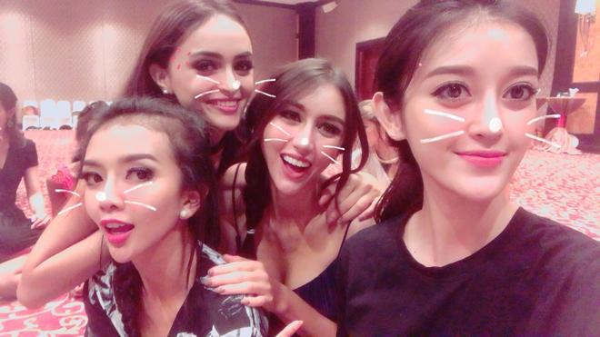 Huyền My đăng tải hình ảnh cùng hội bạn thân, lấy lại tinh thần sau thất bại tại Miss Grand International 2017 - Ảnh 3.