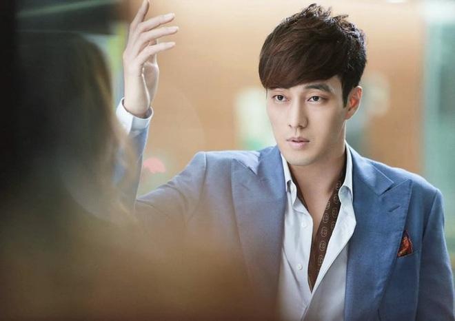 Sao nam Hàn trên phim vs. ngoài đời: Khác nhau một trời một vực! - ảnh 26