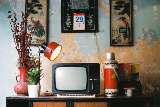 Câu chuyện lấy nước mắt người đọc về chiếc TV cũ, sự hy sinh của bố và tình yêu của mẹ - ảnh 1