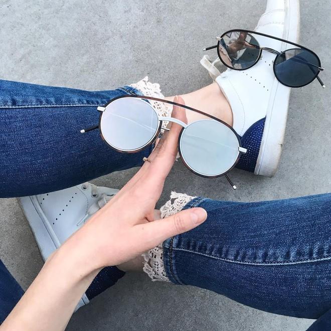 Hè này nếu muốn sắm kính, nhất định phải sắm kính gọng tròn cho bằng bạn bằng bè - Ảnh 23.