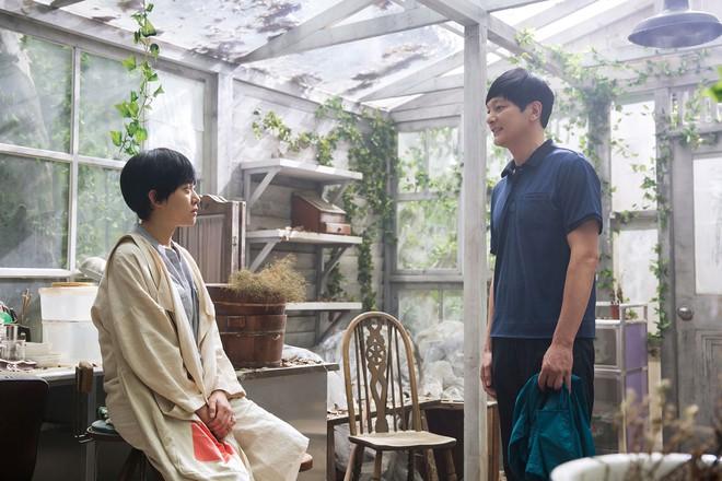 Điện ảnh Hàn tháng 10: Cuộc đổ bộ của loạt ông hoàng phòng vé - Ảnh 36.
