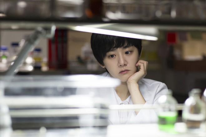 Điện ảnh Hàn tháng 10: Cuộc đổ bộ của loạt ông hoàng phòng vé - Ảnh 37.