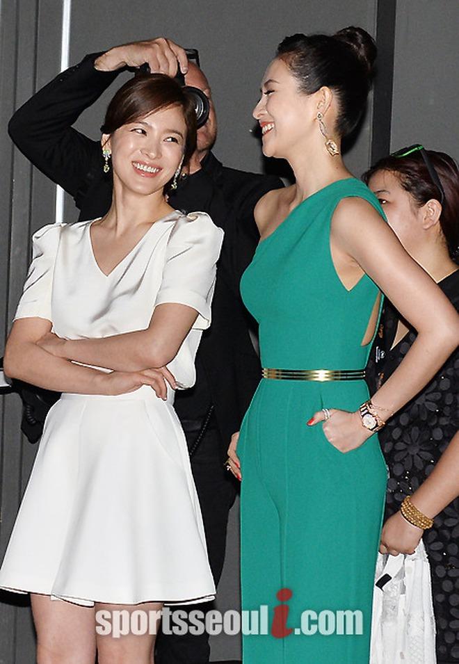 Đứng chung một khung hình, mĩ nhân Hoa - Hàn dìm nhau đến thế nào? - ảnh 37