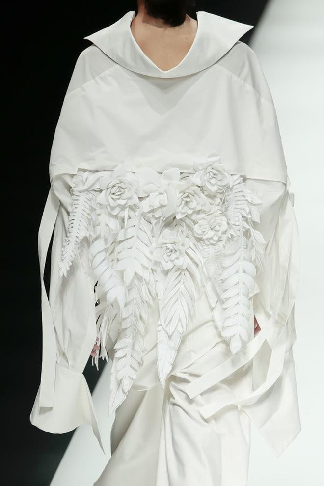 """BST mới của NTK Công Trí tại Tokyo Fashion Week: Trước cái đẹp, bạn chỉ còn biết """"Wow"""" lên một tiếng!!! - Ảnh 9."""