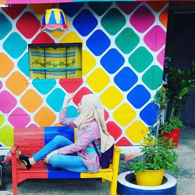 Khu ổ chuột ở Indonesia bỗng lột xác chỉ sau thời gian ngắn, du khách tấp nập ghé thăm - Ảnh 5.