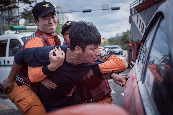 Sao nhí The Handmaiden gặp tai nạn thương tâm trong phim điện ảnh A Day - Ảnh 6.