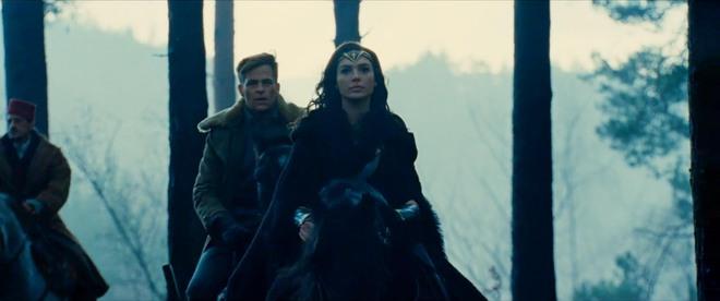 Wonder Woman - Một mình gánh cả Vũ trụ Điện ảnh DC trên đôi vai gầy - Ảnh 3.