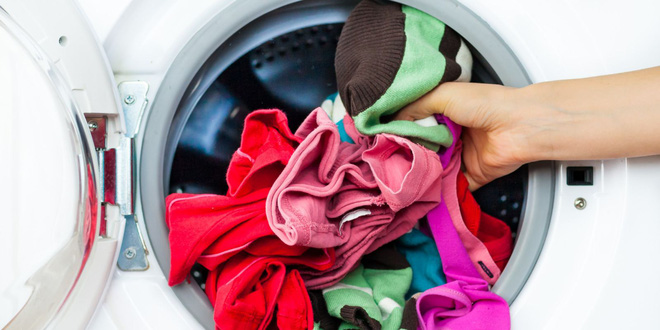 4 sai lầm ai cũng mắc phải khi giặt đồ lót khiến vùng kín dễ bị nhiễm bệnh hơn - Ảnh 2.