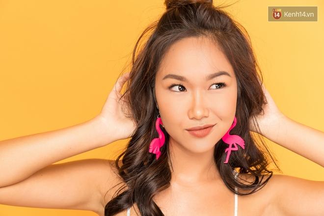 Clip: Bí kíp makeup không chảy, không đổ dầu mà vẫn có độ glow bóng khỏe cho ngày hè từ beauty blogger Trisha Đỗ - Ảnh 4.