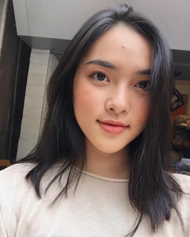 """4 cô nàng Việt sở hữu đôi môi dày mọng """"nhìn là muốn cắn"""" - Ảnh 16."""