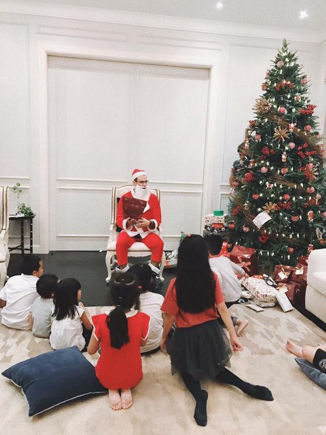Tăng Thanh Hà và hội bạn tri kỷ tổ chức tiệc Giáng sinh sớm cho các con - Ảnh 2.