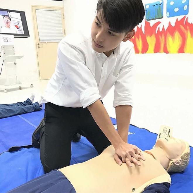 Dàn trai đẹp khiến các thiếu nữ phải xao xuyến trái tim của trường Đại học danh giá nhất Thái Lan - Ảnh 10.
