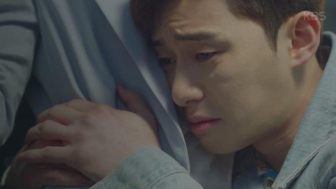 """Hết """"vỗ mông xã giao"""", Park Seo Joon bất ngờ ôm ghì Kim Ji Won vào lòng - Ảnh 5."""