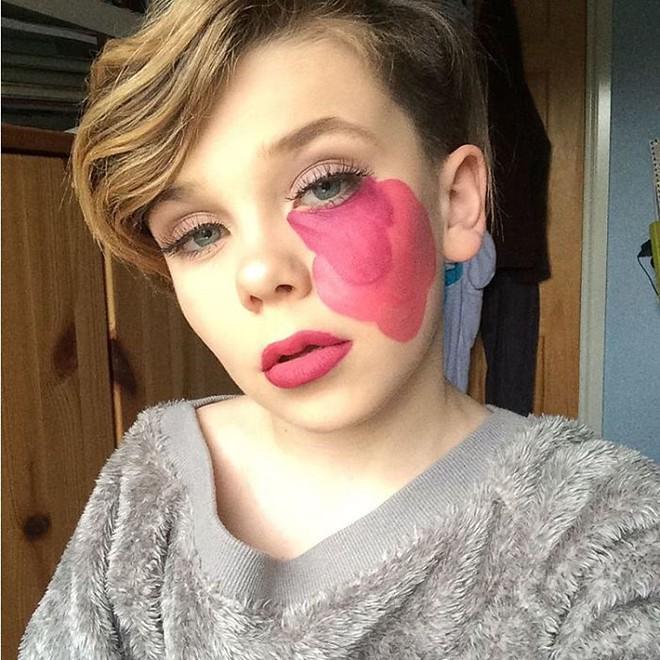Bé trai 10 tuổi khiến các cô nàng điêu đứng vì tài trang điểm chuyên nghiệp thành thần - Ảnh 4.
