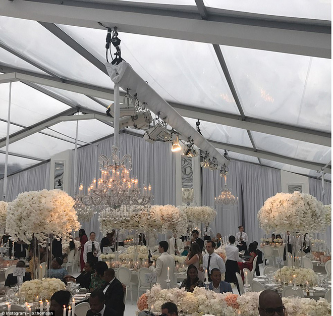 Đám cưới sang chảnh với 1 triệu bông hồng của con trai tỷ phú da màu giàu nhất thế giới - Ảnh 4