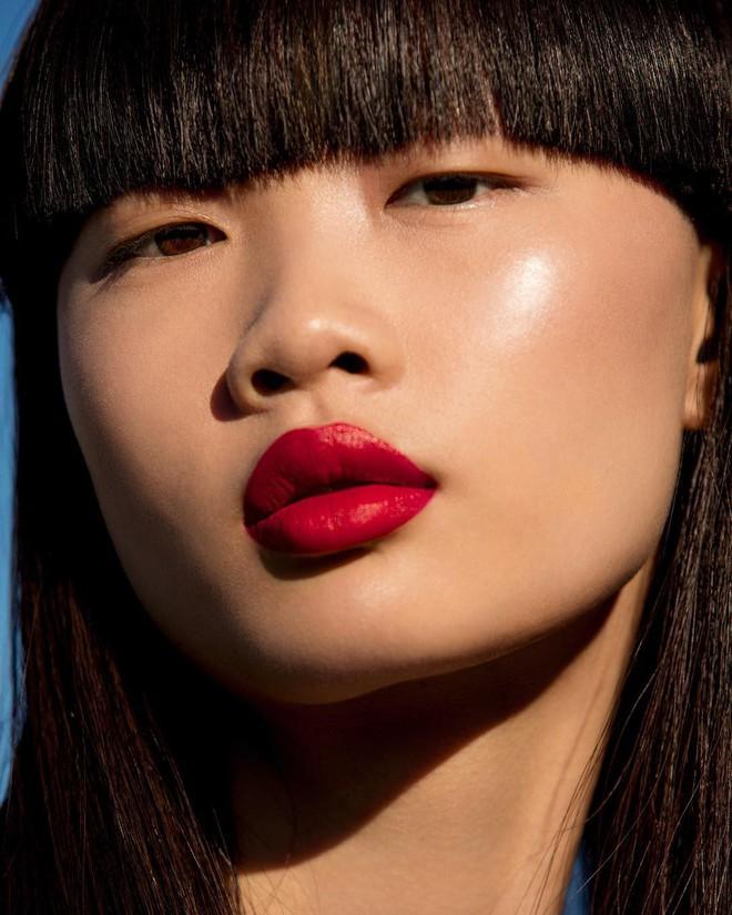 Rihanna chuẩn bị ra mắt màu son đỏ hợp với mọi tông da và quay hẳn clip dạy tô son xem là mê - Ảnh 5.