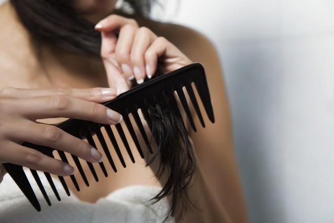 Muốn tóc hết chẻ ngọn trong mùa đông thì nên tuân thủ những nguyên tắc này - Ảnh 4.