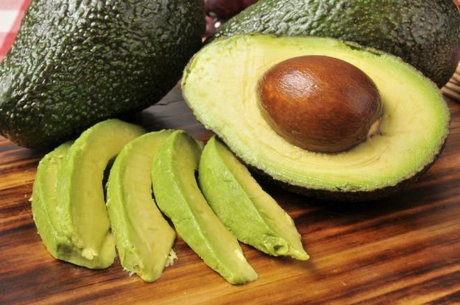 Kiêng chất béo để giảm cân thì nhớ đừng kiêng 5 loại thực phẩm này - Ảnh 2.