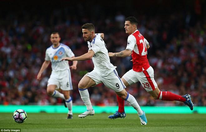 Cú đúp của Sanchez giúp Arsenal nuôi hy vọng dự Champions League - Ảnh 7.