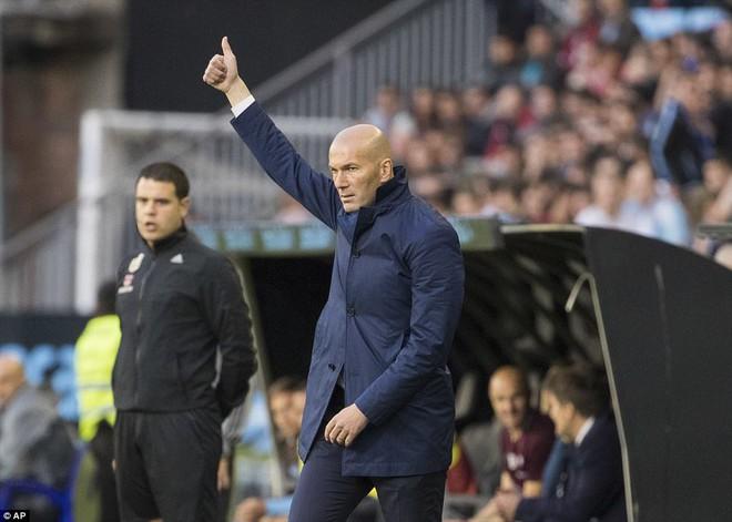 Ronaldo lập cú đúp, Real chạm tay vào chức vô địch La Liga - Ảnh 11.