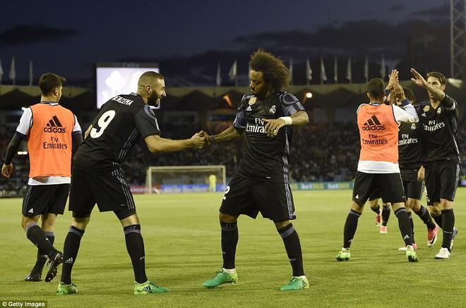 Ronaldo lập cú đúp, Real chạm tay vào chức vô địch La Liga - Ảnh 9.