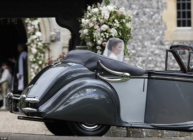 Em gái Công nương Anh xuất hiện cực xinh đẹp trong lễ cưới bạc tỷ với đại gia - ảnh 4