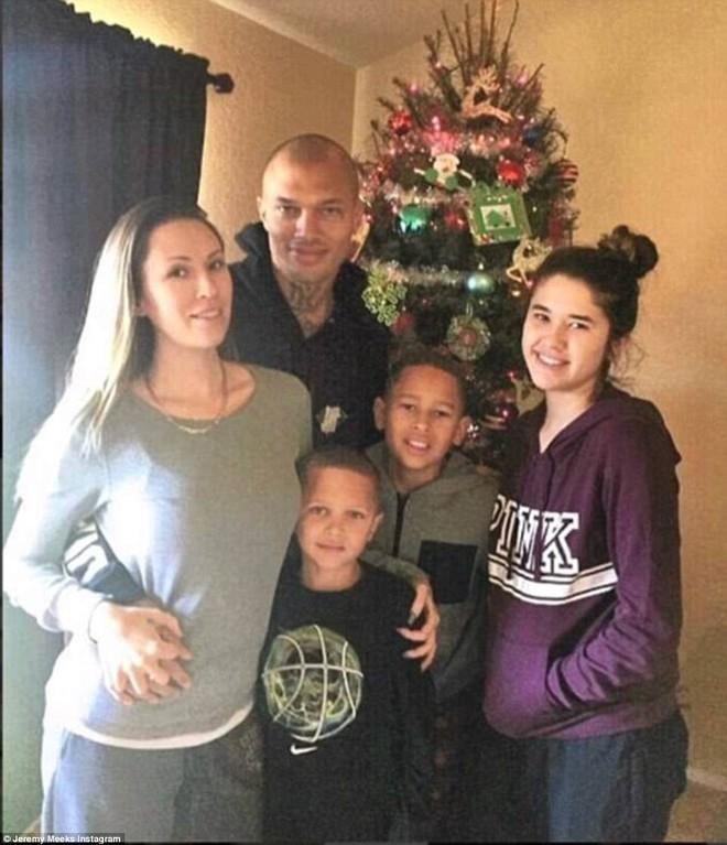 Nổi đình đám nhờ bức ảnh tội phạm đẹp trai, mẫu nam bỏ vợ con để cặp con gái tỷ phú - Ảnh 5.