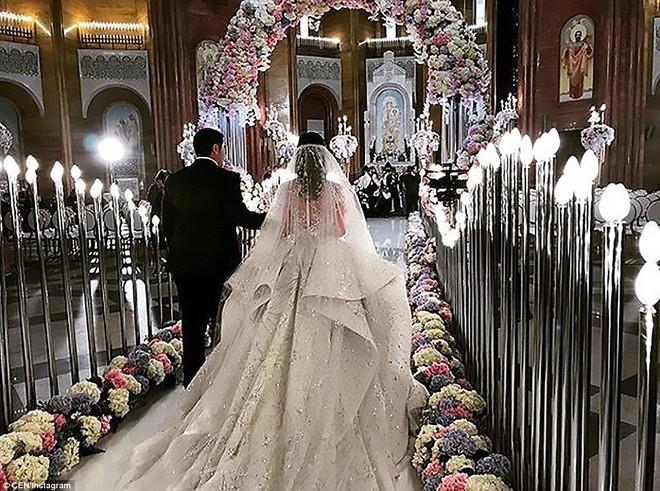 Đám cưới xa hoa của con trai ông trùm bất động sản Nga cùng cô dâu xinh đẹp như công chúa trong truyện cổ tích - ảnh 14