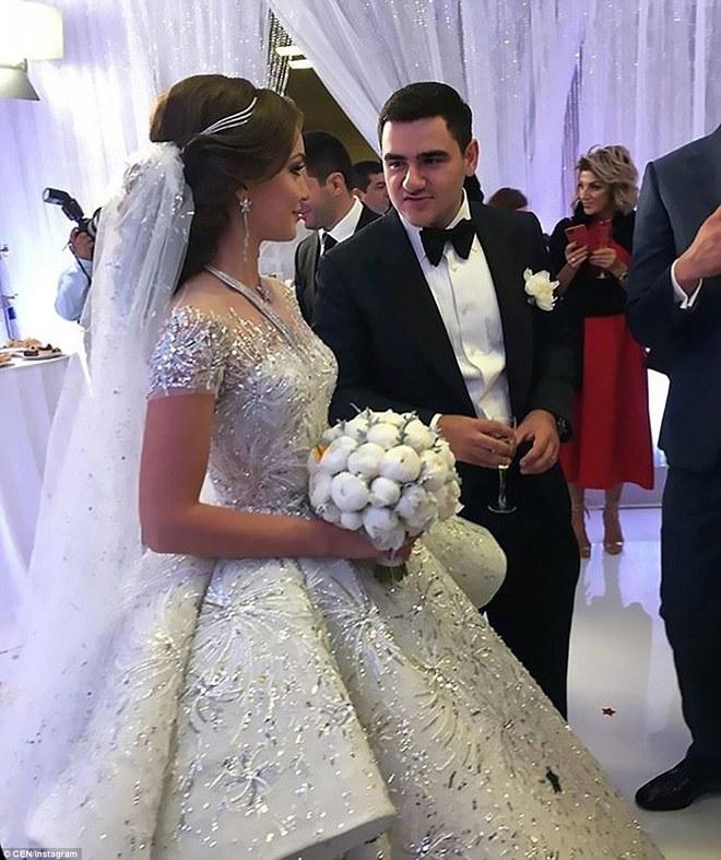 Đám cưới xa hoa của con trai ông trùm bất động sản Nga cùng cô dâu xinh đẹp như công chúa trong truyện cổ tích - ảnh 2