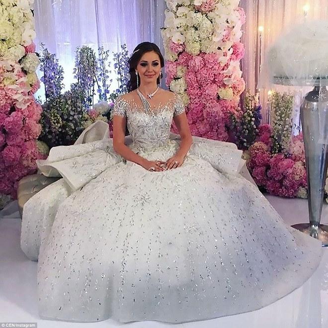 Đám cưới xa hoa của con trai ông trùm bất động sản Nga cùng cô dâu xinh đẹp như công chúa trong truyện cổ tích - ảnh 9