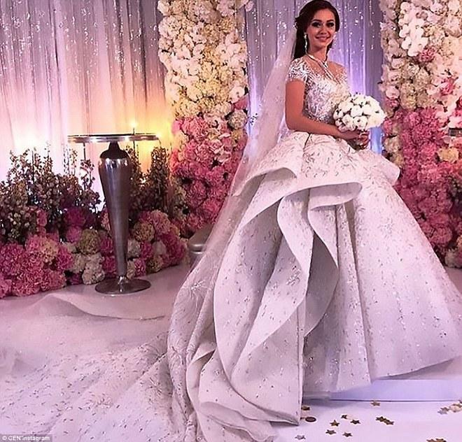 Đám cưới xa hoa của con trai ông trùm bất động sản Nga cùng cô dâu xinh đẹp như công chúa trong truyện cổ tích - ảnh 8
