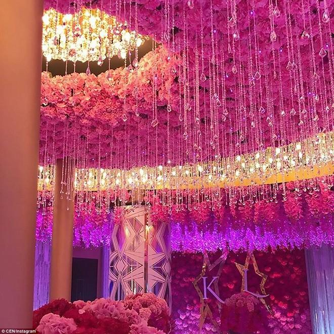 Đám cưới xa hoa của con trai ông trùm bất động sản Nga cùng cô dâu xinh đẹp như công chúa trong truyện cổ tích - ảnh 6