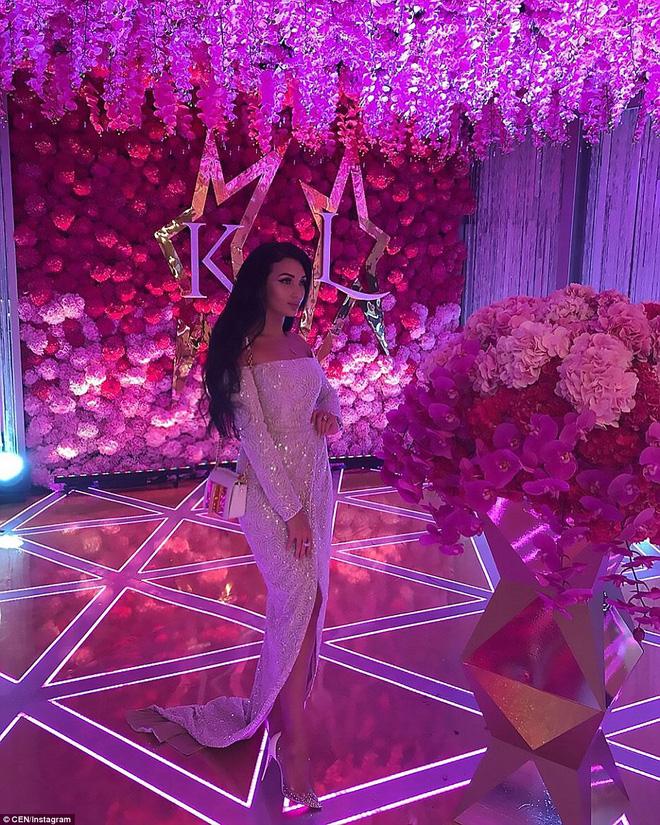 Đám cưới xa hoa của con trai ông trùm bất động sản Nga cùng cô dâu xinh đẹp như công chúa trong truyện cổ tích - ảnh 11